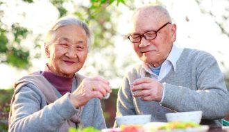 Gia tăng tuổi thọ bằng cách thay đổi chế độ ăn và lối sống