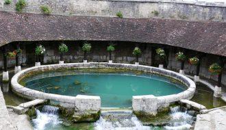Vẫn chưa tìm được nguyên nhân của suối Fosse Dionne xuất hiện tại Pháp