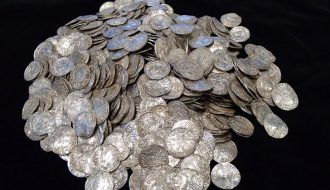 Phát hiện bộ sưu tập tiền cổ lớn nhất lên đến 7.000 đồng xu bạc