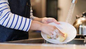 Rửa chén bát sạch bóng đảm bảo sức khỏe người thân yêu