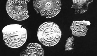 Tiền xu bạc - tìm thấy kho tiền xu lên đến 1200 năm tuổi tại Ba Lan